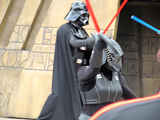 Darth Vadar fighting young jedi at the jedi Temple