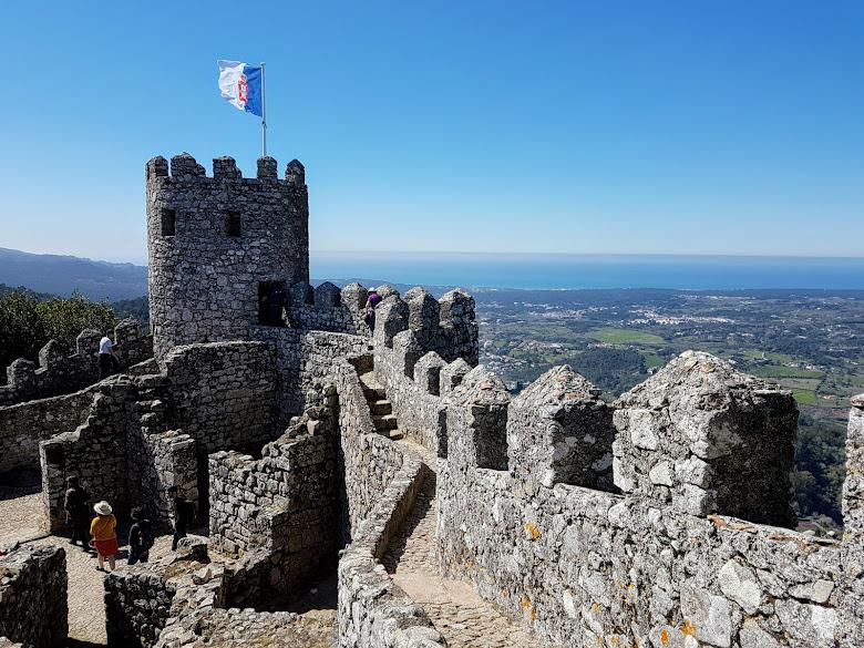 摩爾人城堡的城牆,走路有點抖抖