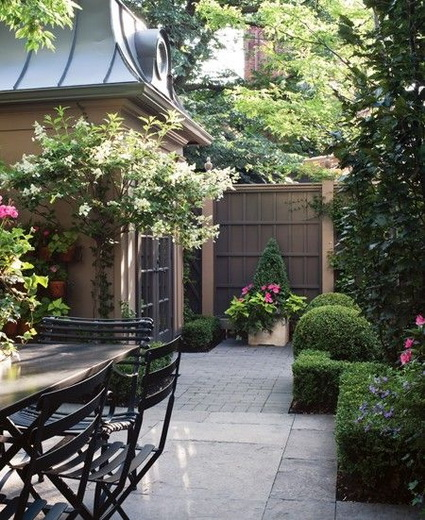 Ideas on Small decorated courtyards 7