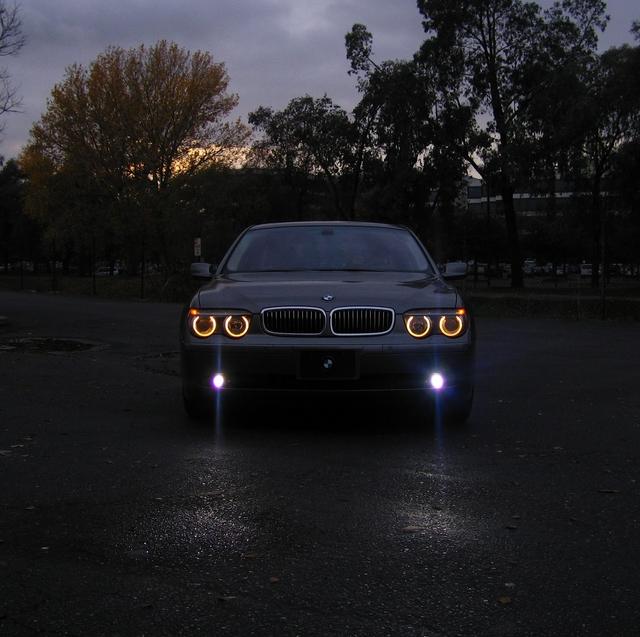 ضوء مصابيح السيارة