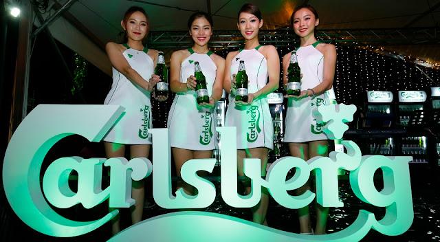 carlsberg smooth draught beer girls malaysia