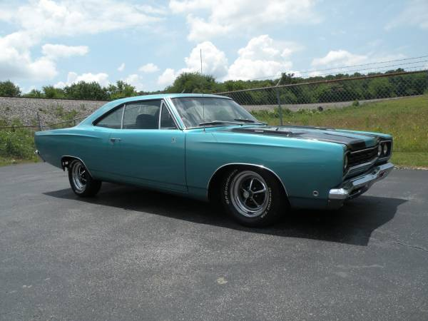 1968 Plymouth Road Runner Clone 383