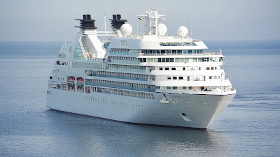 white cruise ship hd wallpaper