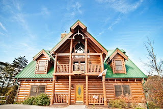 Family sized cabins near Gatlinburg