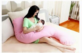 Gối ôm chữ U có thể sử dụng được sau sinh để cho bé bú