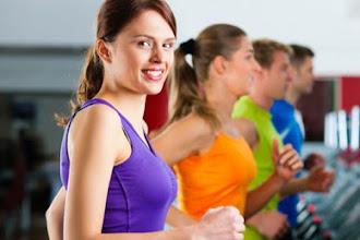 Τριάντα λεπτά γυμναστικής αρκούν για να αισθάνεστε πιο δυνατή και λεπτή