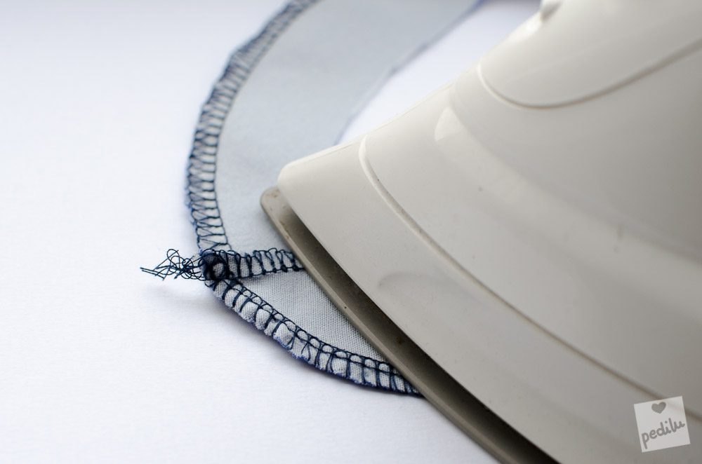 Belegverarbeitung: Schulternähte bügeln