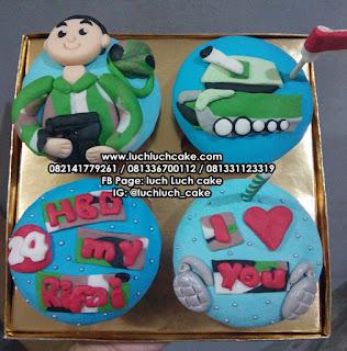 Cupcake Tema Tentara dan Tank Fondant 2d