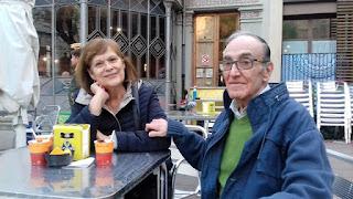 Josep Mª i la seva esposa al jardí del Centre Cívic