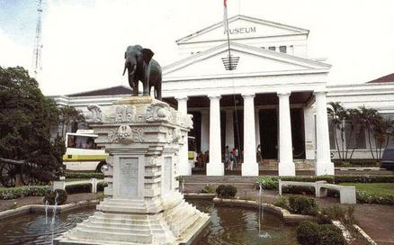 Pastinya ada sudah sangat mengenal dengan kota Jakarta 10 Tempat Wisata Di Jakarta Yang Menarik dan Populer
