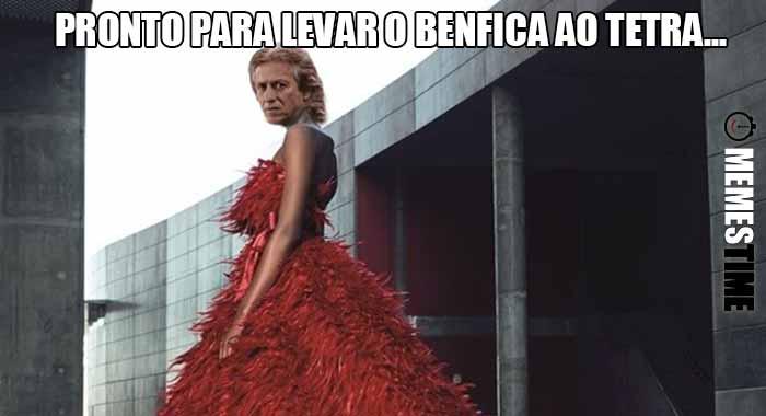 GIF Memes Time… da bola que rola e faz rir - Já está à venda a nova iniciativa de Merchandising do Benfica: Vestidos de Noiva e o Jorge Jesus será o primeiro cliente – Pronto para levar o Benfica ao Tetra...