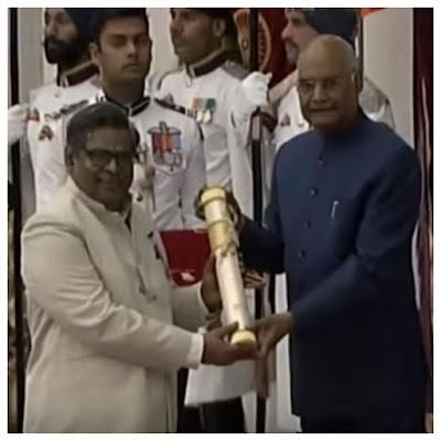 Sirivennela-Seetharama-Sastry-honoured-by-President-Ram-Nath-Kovind-Andhra-Talkies