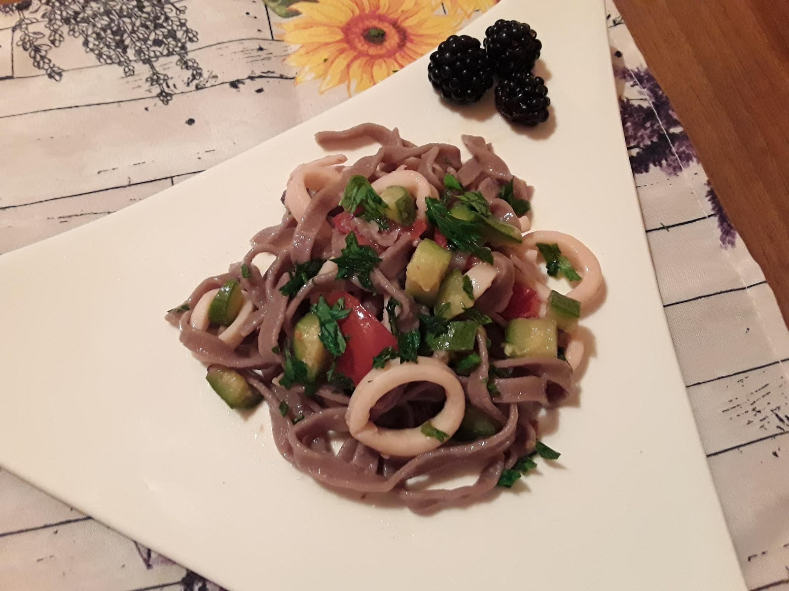 Tagliatelle Alle More Con Calamari E Zucchine