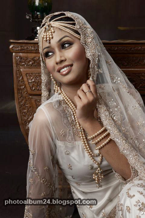 Model Ashna Habib Bhabna-1348
