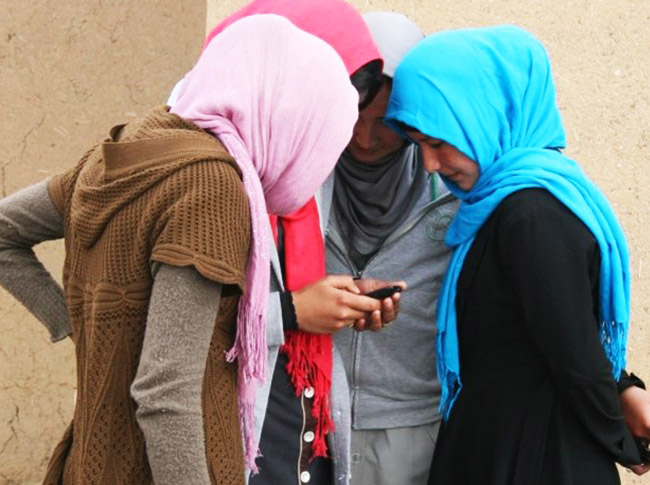 Tinuku Afghans buy everything online to avoid bombs and sexual harassment