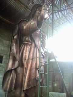 patung religi indah.jpg