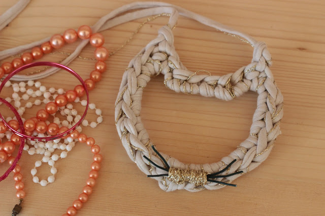 diy collier chat