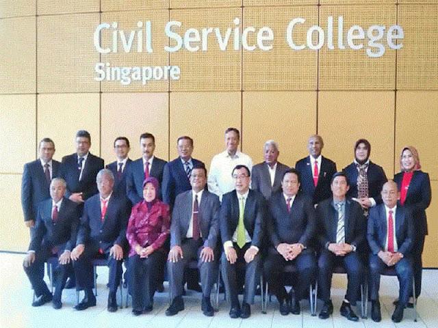 Benhur Tomi Mano Hadiri Studi Visit di Civil Service College Singapura