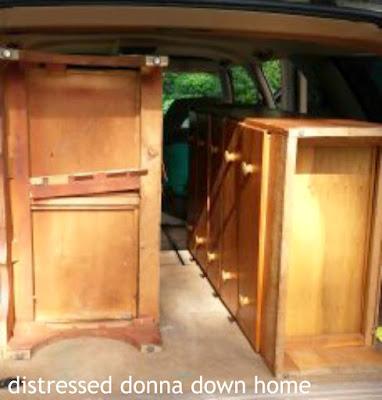 vintage dressers, vintage finds