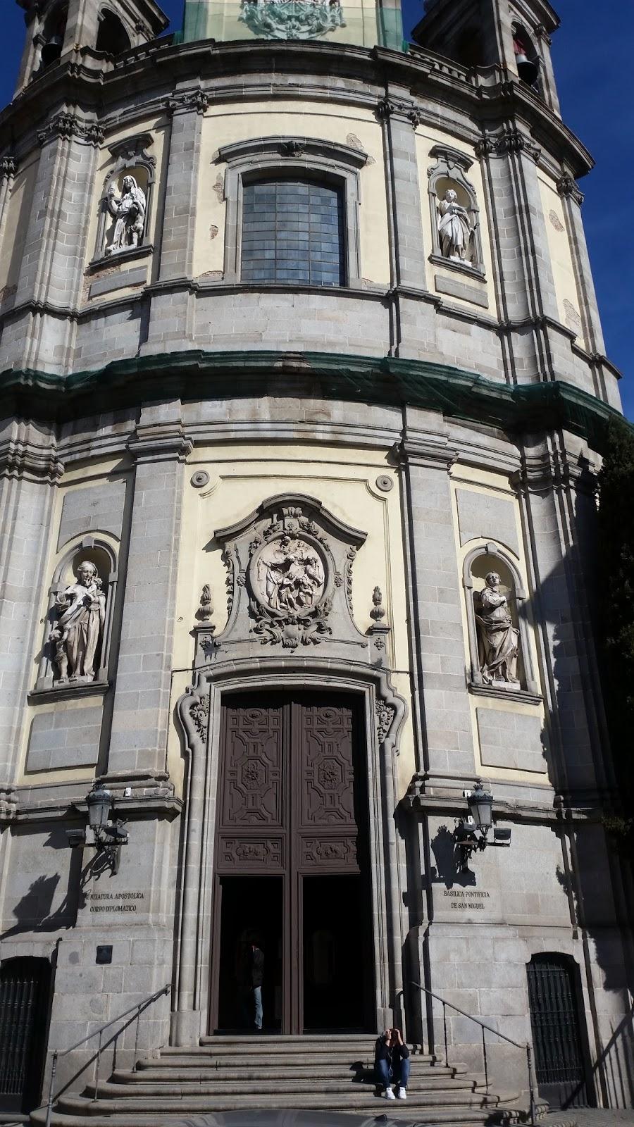 Espacio espacioso arquitectura madrile a desconocida ix for Biblioteca iglesia madrid