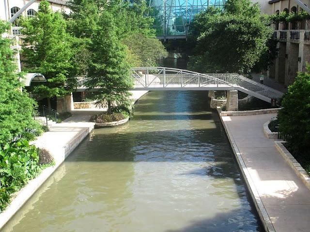 Pengembangan Berlanjut River Walk