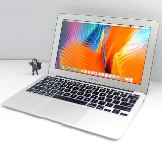 MacBook Air Core i5 (11-inch, Early 2015)