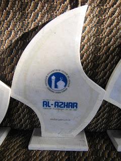 "<img src=""Vandel Al Azhar- Custom design unik.jpg"" alt=""Vandel Al Azhar- Custom design unik dari marmer tulungagung"">"