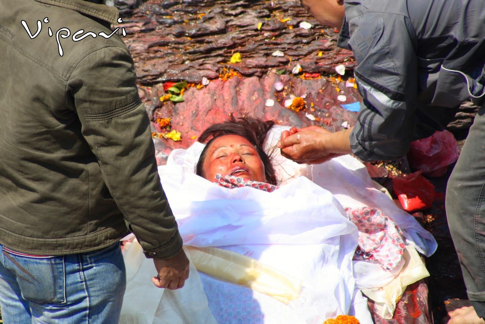 ritos funerarios hindúes 11