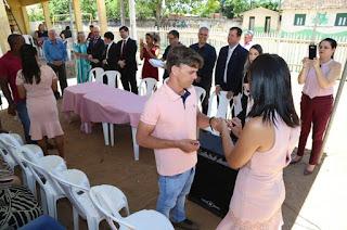 http://vnoticia.com.br/noticia/3326-justica-itinerante-promove-casamento-comunitario-em-sfi