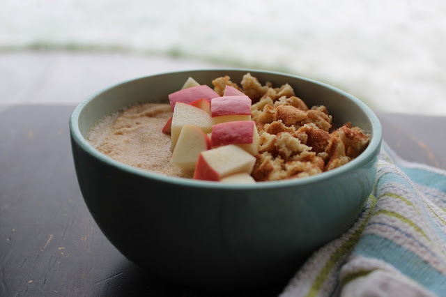 Apple Cinnamon Snickerdoodle Smoothie Bowl - Gluten Free + Protein Packed