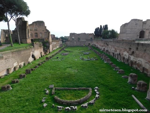 Палатин - руины древнего стадиона