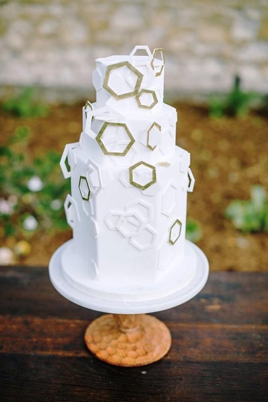 tarta nupcial con motivos geometricos chicanddeco