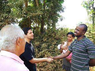 Moradores Natália Anísio e Josué Honorato, de Arrieiros: satisfeitos