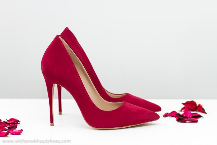 Zapatos Nueva colección de ALDO salones con tacón alto de ante color burdeos granate