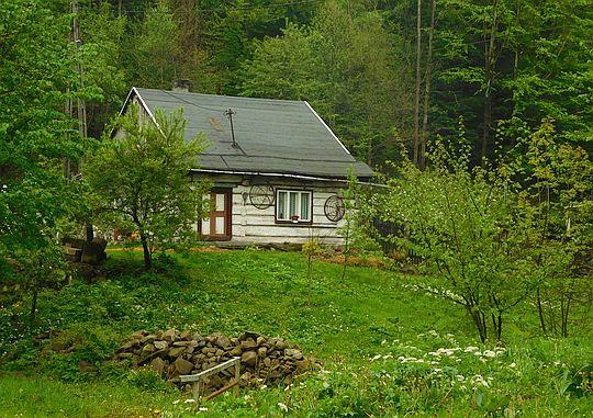 Stary dom w dolinie Czeretnika.
