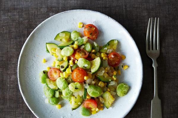https://food52.com/recipes/23077-vegan-summer-succotash