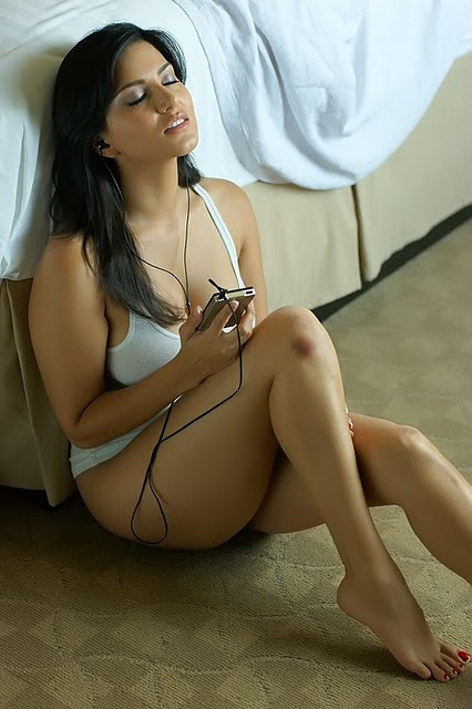 Hottest Actress Photos Sexy Zarine Khan Hot Bikini Photos-4067