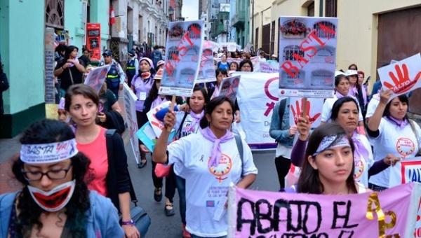 Convocan en Perú a masiva marcha contra la violencia de género