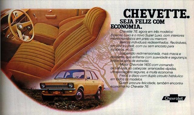 Imagem com a propaganda do Chevrolet Chevette SL 1976 mostrando seu interior marrom