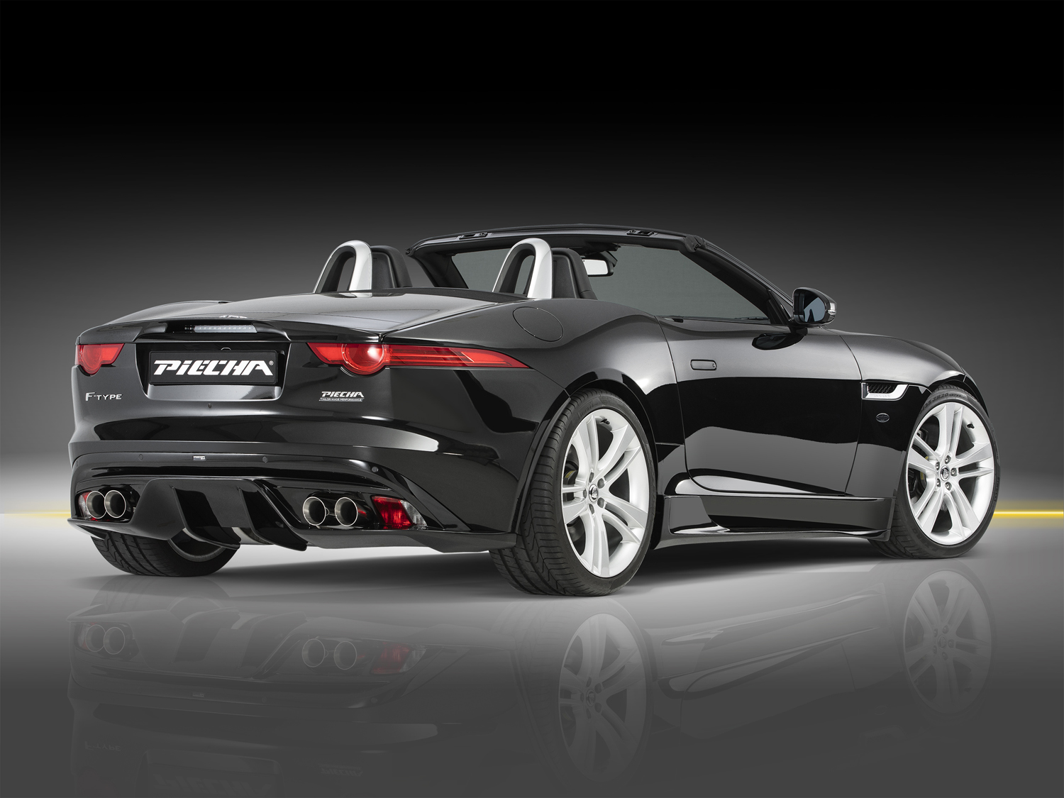 piecha 39 s f type shows there 39 s more than one way to skin a jag. Black Bedroom Furniture Sets. Home Design Ideas