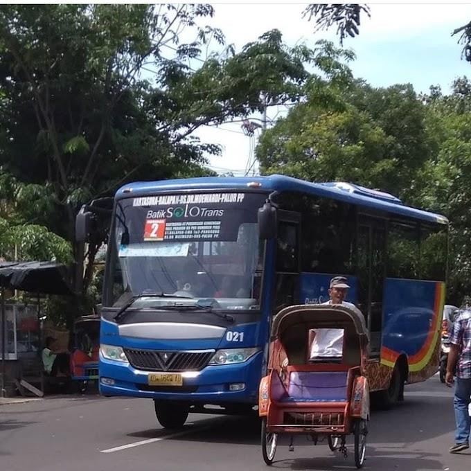 Jalan Jalan ke Solo pake Batik Solo Trans