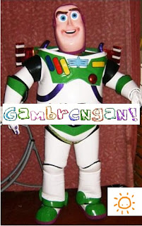 Badut Buzz Lightyear