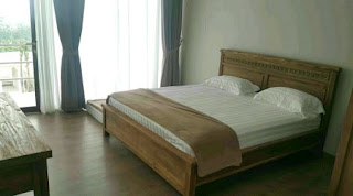 Tempat Tidur 2 Di Lantai 2