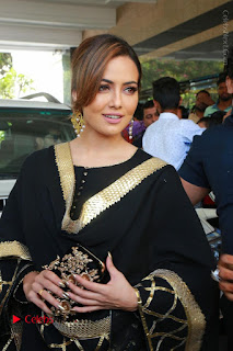 Bollywood Actress Sana Khan Launches Aakrithi Exibition  0057.JPG