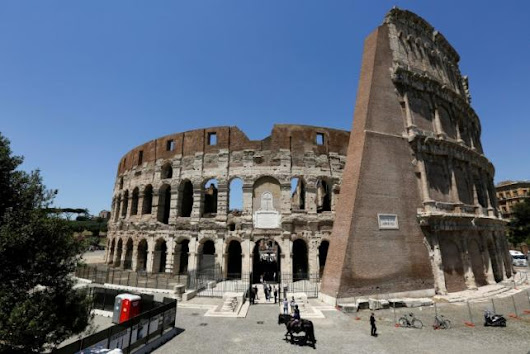Rome shows off cleaned-up Colosseum