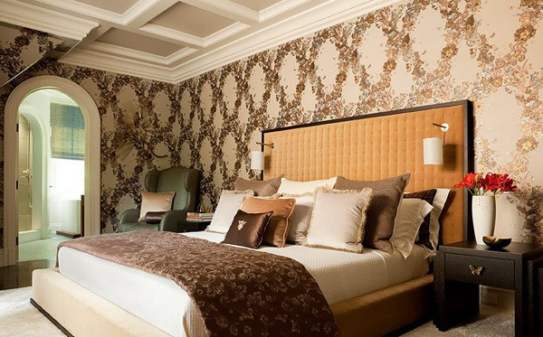 Kamar tidur full wallpaper mewah