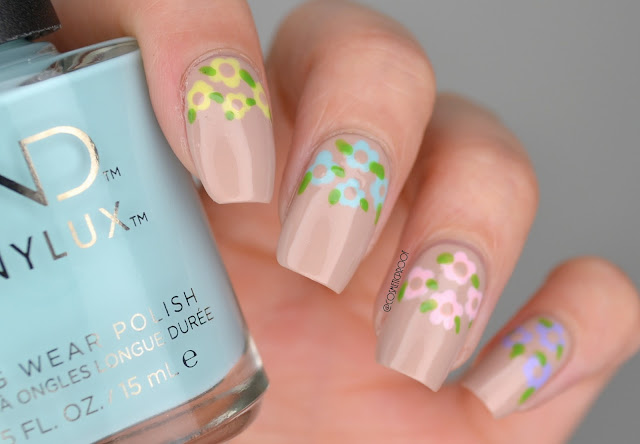 Flower Dotticure Nail Art