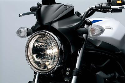 2017 Suzuki SV650 front headlight Hd Pictures