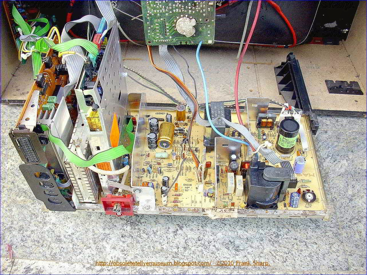 Obsolete Technology Tellye Itt Digivision 3876 Hifi Oscar Chassis 506 X 331 250 Kb Jpeg How To Wire A Gfci Circuit Digi 3 110 Is Which Stereo Degree Type Fitted In 20 Inches Mono Television Set