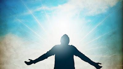 Cuộc sống cần chúng ta mở lòng để giao tiếp rồi tin cậy giúp gặt hái được nhiều vui vẻ hơn
